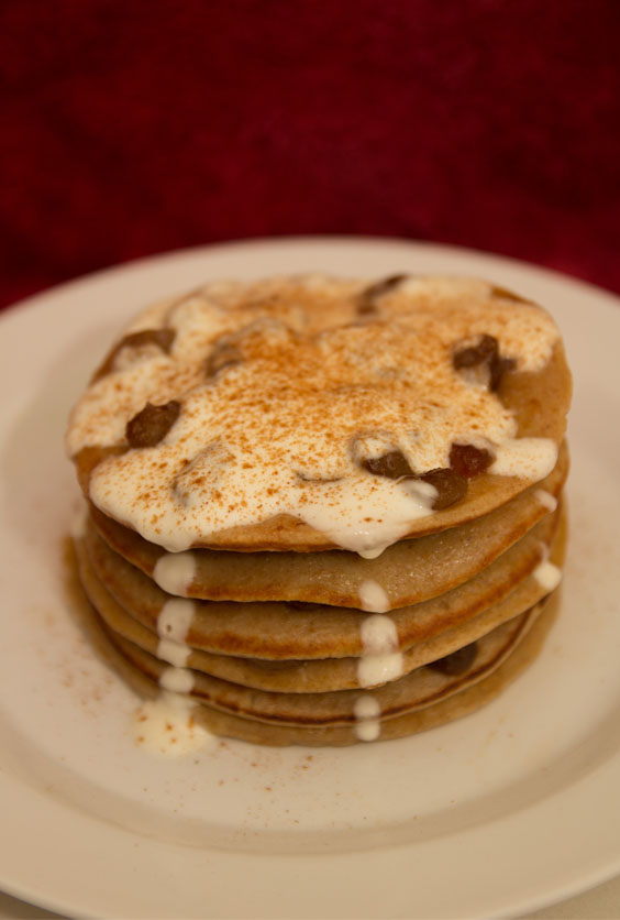 Healthy Mince Pie Pancakes #healthy #glutenfree #refinedsugarfree #breakfast