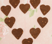 Healthy Chocolate Shortbread Biscuits: Heart-shaped!